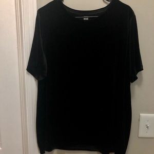 Black velvet T-shirt (old navy)